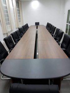 table de reunion marron